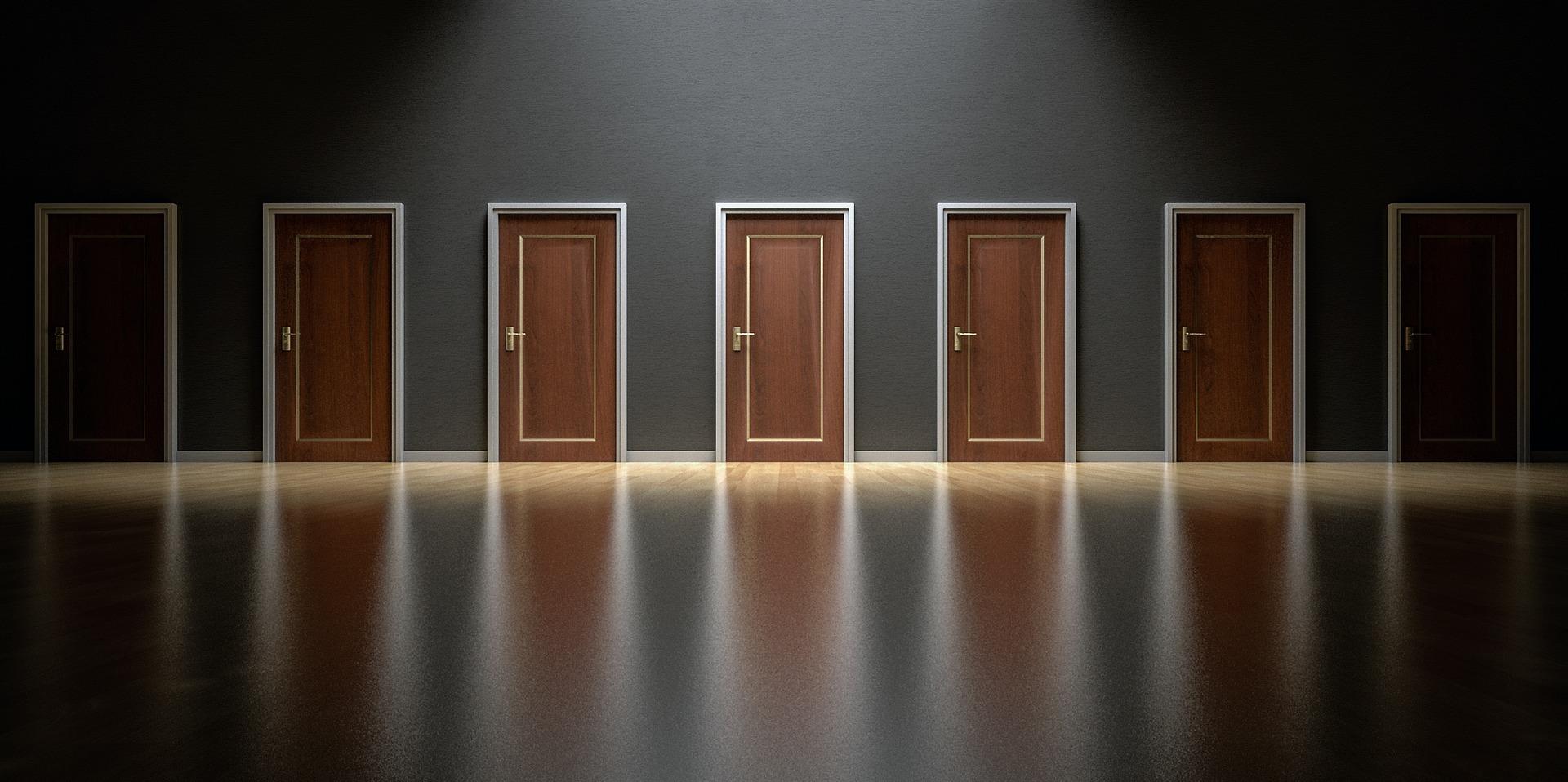 doors-1587329_1920.jpg