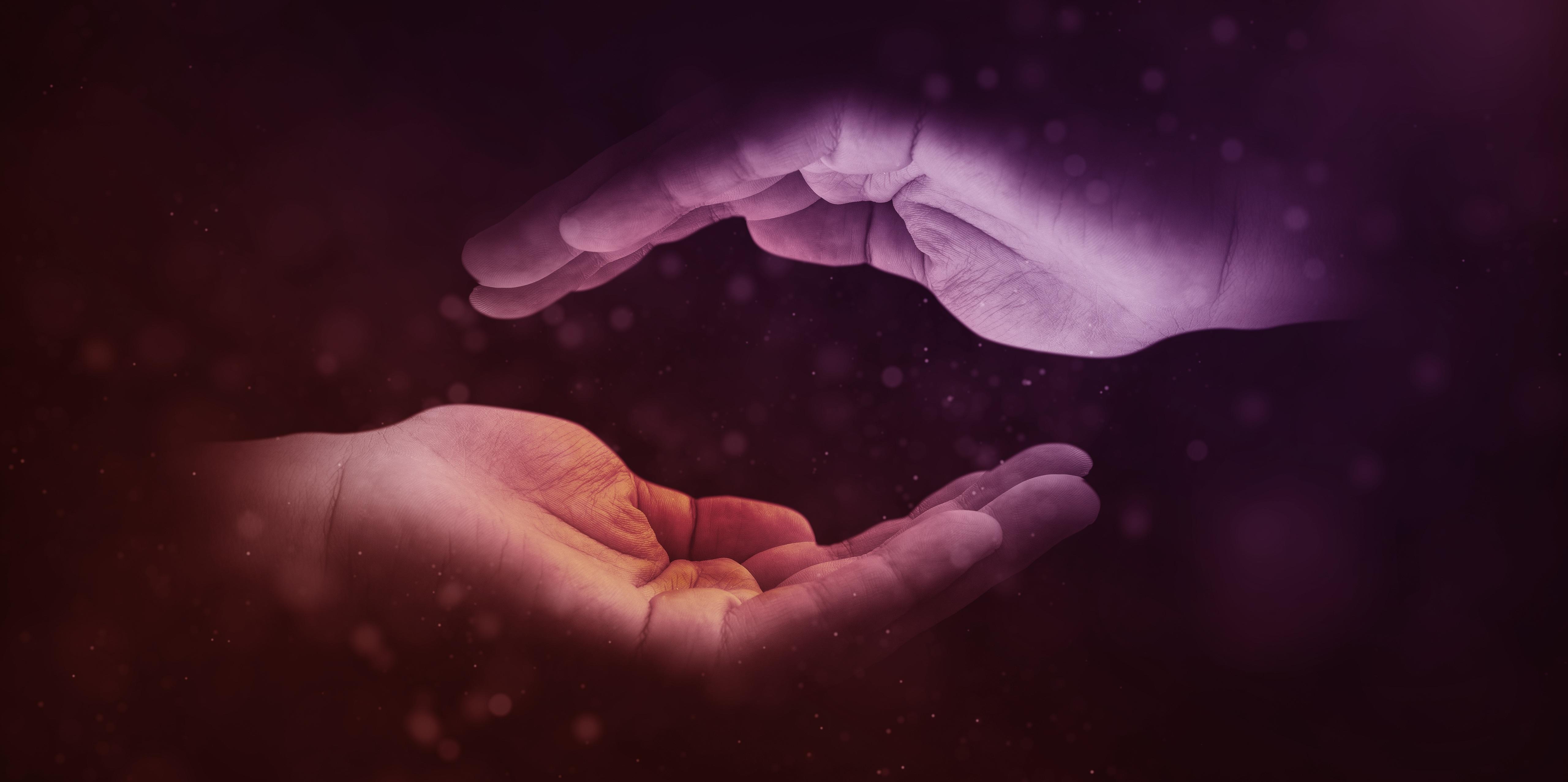hands-1947915